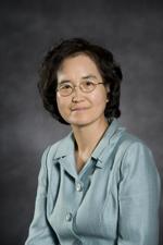 Headshot of Victoria Yoon